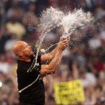 """Challenge: """"Stone Cold"""" Steve Austin fordert AEW Superstar zum Wettsaufen heraus!"""